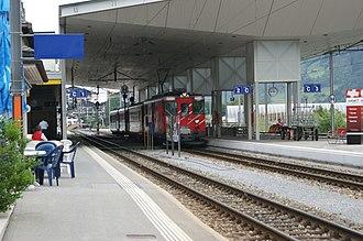Disentis/Mustér railway station - Image: MGB Pendelzug 2254 2290 4171 22 im Bahnhof Disentis 2009