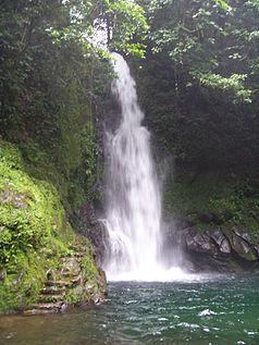 die Malabsay Wasserfälle im Südosten des Parks