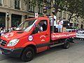 Manifestation chinois Paris 010916 - Camion rouge.jpg
