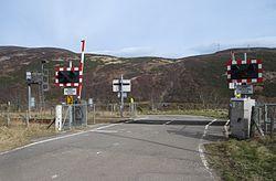Marrel level crossing (13175473084).jpg