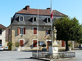 The town hall in Mauzac