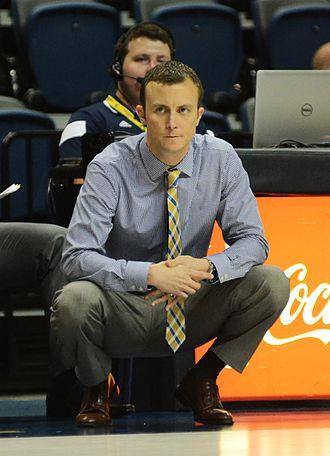 Matt McCall (basketball) - Image: Mccall coaching