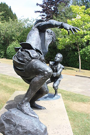 Edward Alleyn - Memorial to Edward Alleyn in Dulwich Village, sculpted by Louise Simpson, 2005
