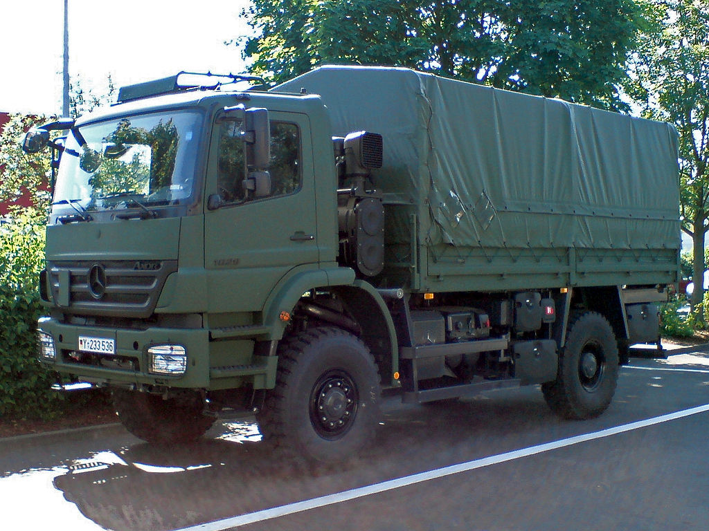 file mercedes benz axor 1829 a 4x4 wikimedia commons. Black Bedroom Furniture Sets. Home Design Ideas