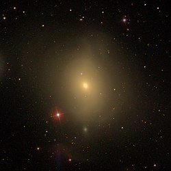 Messier85 - SDSS DR14 (panorama).jpg