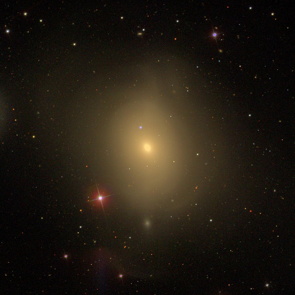 Messier85 - SDSS DR14 (panorama)