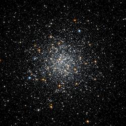 Messier 69 -Lhlsp acsggct hst acs-wfc ngc6637 606-AB R814B435.png