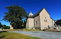 Millevaches, l'Eglise et le Monument aux Morts.jpg