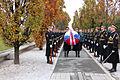 Ministrica Andreja Katič se je z delegacijo poklonila padlim v vojni za Slovenijo 1991 01.jpg