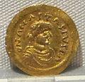 Moneta aurea barbarica a imitazione di coni bizantini, a nome di anastasio, 491-518.JPG