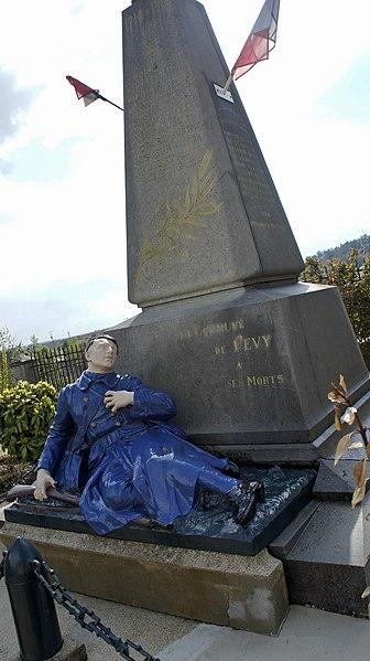 Monument aux morts de Pévy.