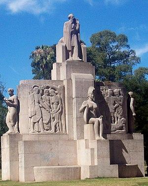 José Fioravanti - Image: Monumento N Avellaneda Fioravanti I