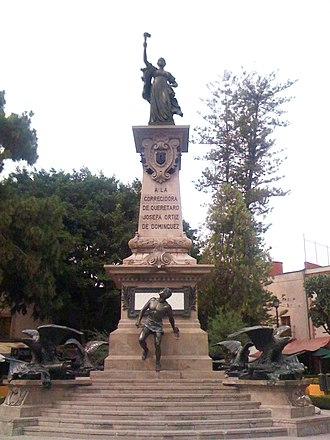 Aktien-Gesellschaft Gladenbeck - Image: Monumento a la Corregidora en Querétaro, México
