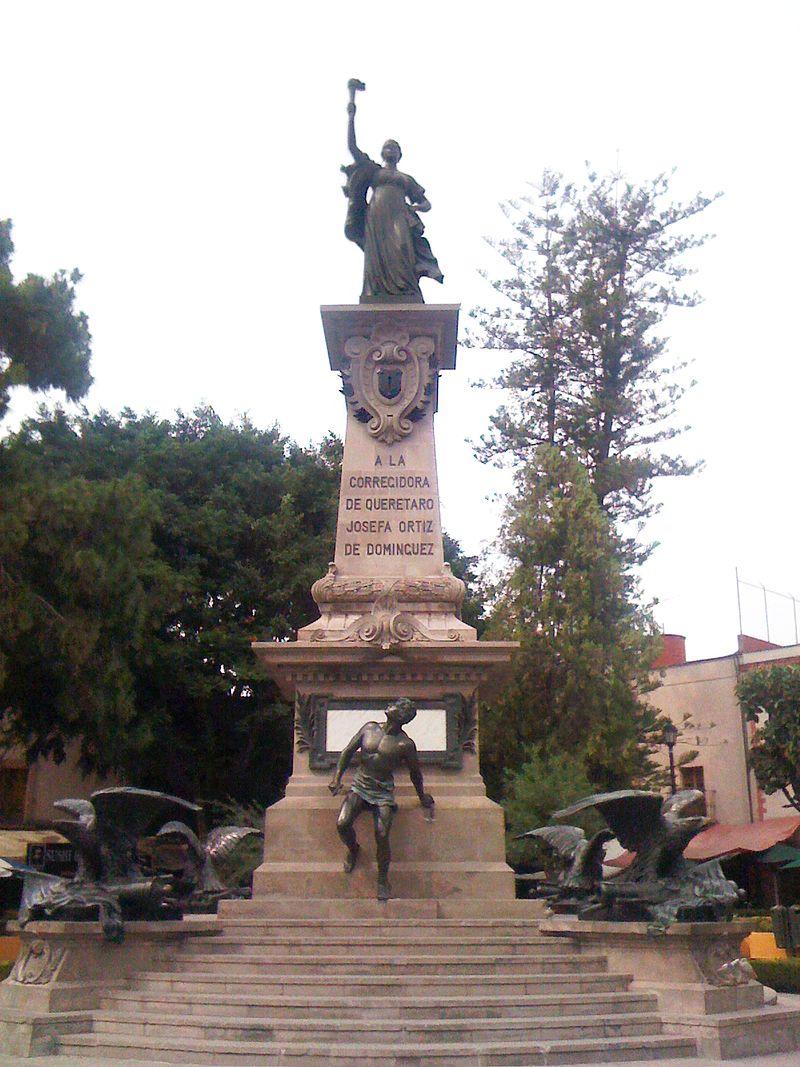 Monumento a la corregidora en quer c3 a9taro m c3 a9xico