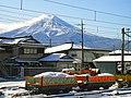 MountFujiFromTheShimoyoshidaStation2004-12.jpg