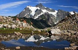 Mount Shuksan tarn.jpg