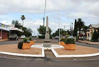 Mundubbera - Mundubbera War Memorial, 2008