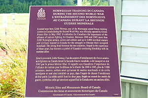 Muskoka Airport - Plaque describing Norwegian training at Muskoka