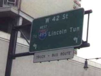 Interstate 495 (New York) - Signage for the Lincoln Tunnel on 12th Avenue (NY 9A). This was one of the few remaining signs of the former I-495 to New Jersey. It was removed sometime in the 2010s.