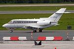 NetJets, CS-DUB, Hawker Beechcraft 750 (17622727134).jpg