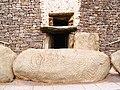 Newgrange bejárat.jpg