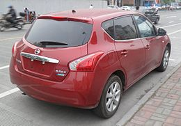 Nissan Tiida C12 02 China 2012-05-12.jpg