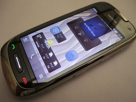 Nokia C7 with Nokia Belle.jpg