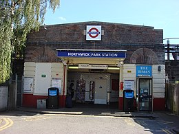 Northwick Park tube station 1.jpg
