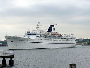 Majestic International Cruises - Image: Ocean Monarch Kiel 2008