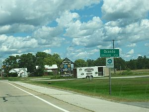 Oconto, Wisconsin - Welcome signs on U.S. Route 41