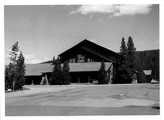 Old Faithful Historic District - Image: Old Faithful Lodge Wheaton 1980