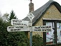 Old Direction Sign - Signpost (geograph 6035433).jpg