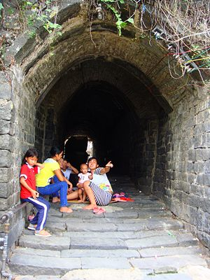 Dingcheng, Hainan - The tunnel, an old accessway to the Nandu