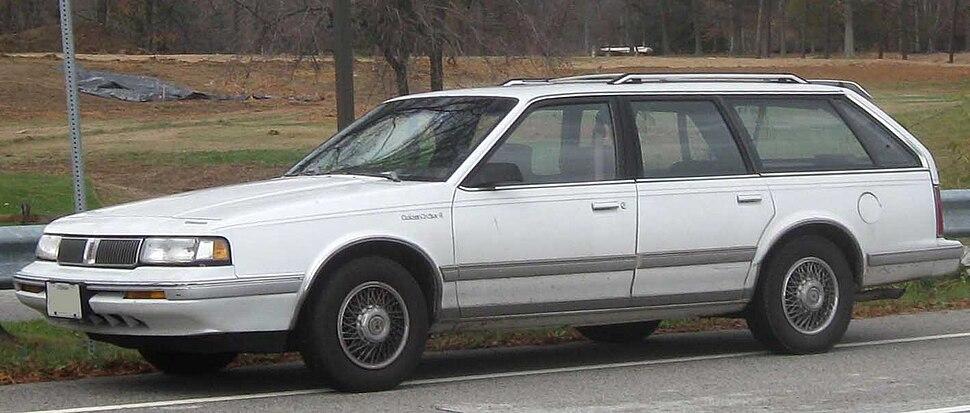 Oldsmobile Cutlass Ciera - Howling Pixel
