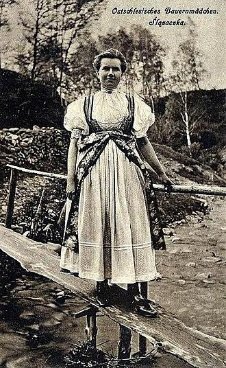 Cieszyn Vlachs - Image: Ostschlesisches Bauernmädchen 1