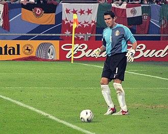 Oswaldo Sánchez - Sánchez playing for Mexico.
