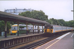 Oxted railway station - View of Oxted Station in 2004. Services shown are in both Southern and Connex South Central livery.