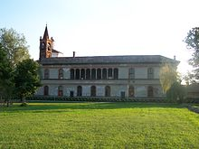 Palazzo Visconti, sul fianco della canonica