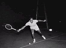 Pancho Gonzales 1954.jpg