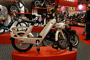 Paris - Salon de la moto 2011 - Velosolex électrique - 002.jpg