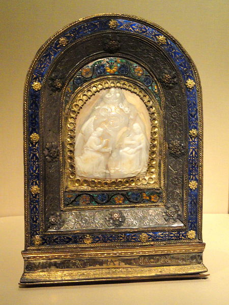 File:Pax - The Annunciation, German or Netherlandish, setting probably Italian, c. 1500 for shell cameo, c.1500-1520 for setting, shell, gilded silver, copper, enamel - National Gallery of Art, Washington - DSC09872.JPG