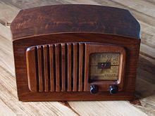 Philco radio model PT44 front.jpg