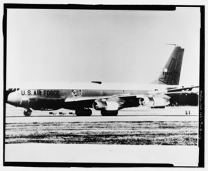 Photographic copy of photograph, n.d. (original photograph in 55th Wing Historian files, Offutt AFB, Bellevue, Nebraska). Looking glass aircraft on runway. - Offutt Air Force Base, HAER NE-9-B-13.tif