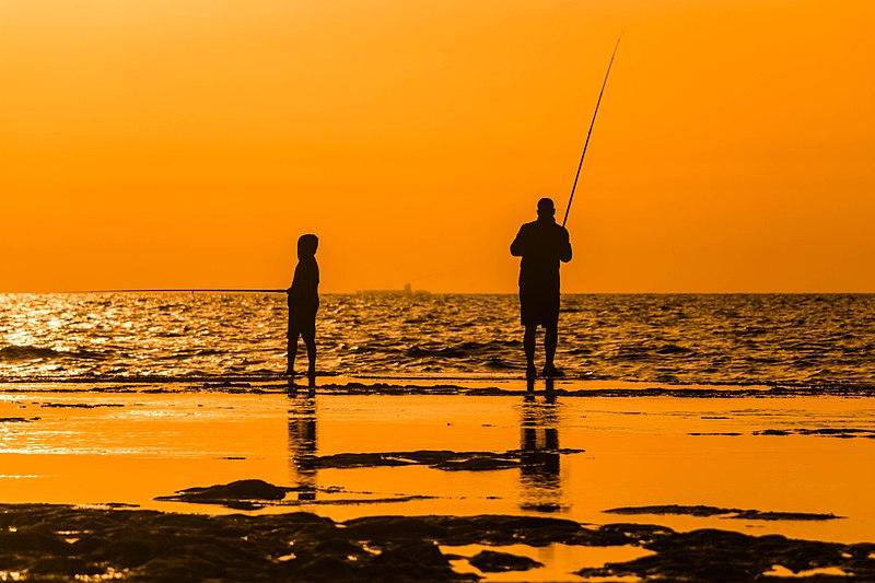 דייגים בחוף פלמחים