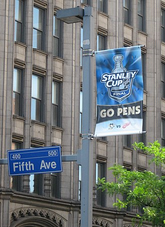 2007–08 Pittsburgh Penguins season - A street sign celebrates the Penguins' 2008 Stanley Cup Finals appearance on Fifth Avenue in downtown Pittsburgh.
