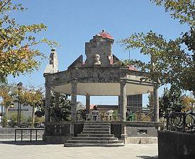 Plaza Juarez El Salto Jalisco.JPG
