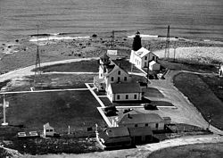 Point Judith Light with attached house USCG.JPG