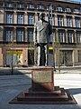 Pomnik Leona Barciszewskiego na Wełnianym Rynku.jpg