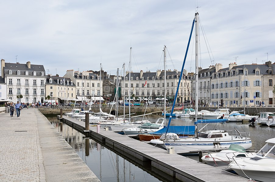 The port of Vannes, Morbihan, France: quay Éric Tabarly, at the foot of St. Vincent gate.