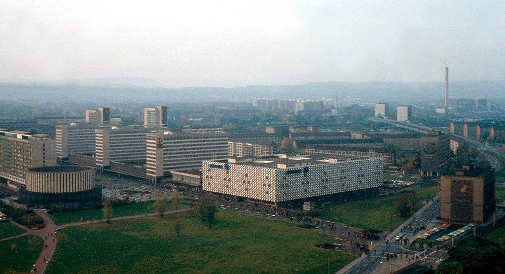 File prager stra e dresden ddr wikimedia commons - Deutsche architektur ...